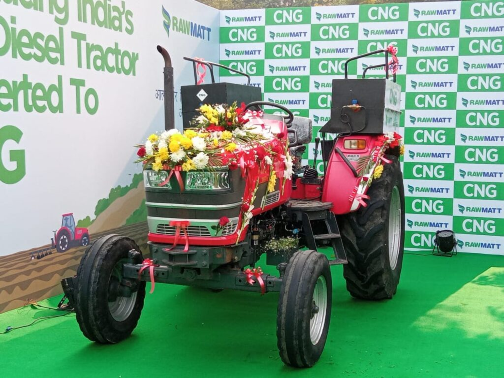 Gadkari launches Indias first Diesel converted CNG Tractor Murugesh Nirani headed MRN Group to Produce CNG Tractors in Karnataka2