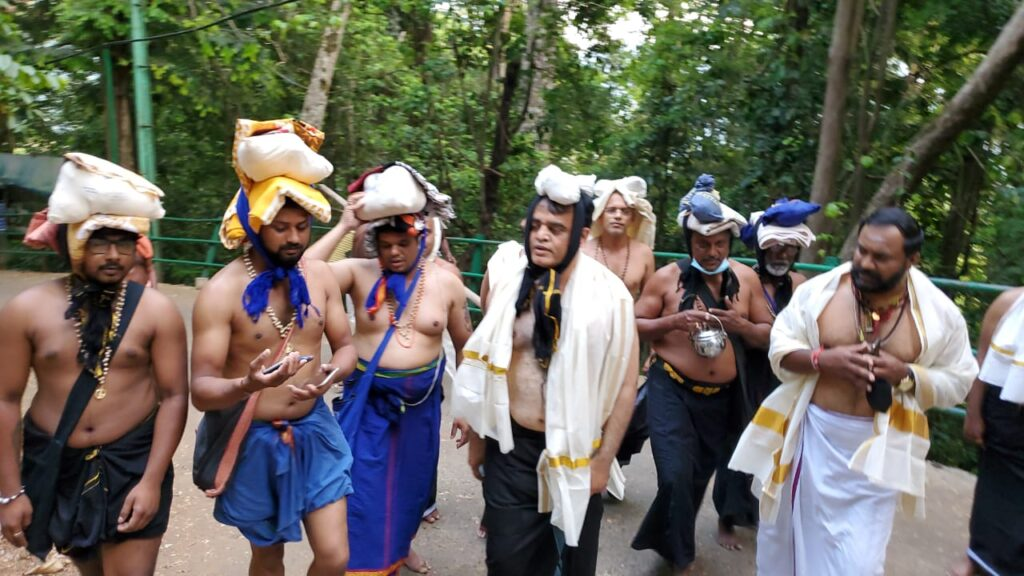 DCM takes Ayyappa Swamy Darshan at Sabarimale2