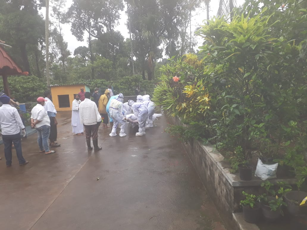Journos in Karnatakas Kodagu don PPE cremate 'untouchable Covid body1