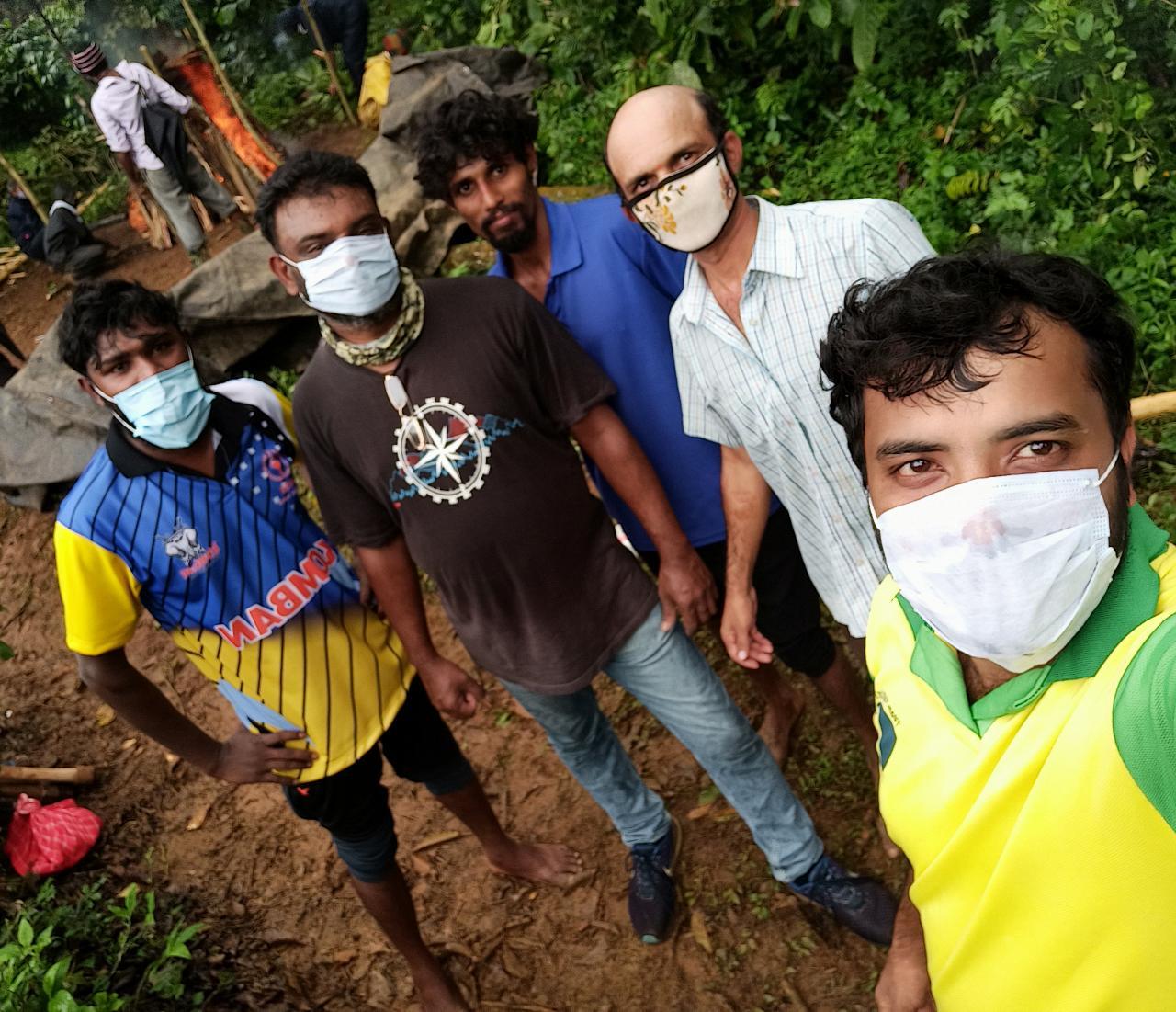 Journos in Karnatakas Kodagu don PPE cremate 'untouchable Covid body2