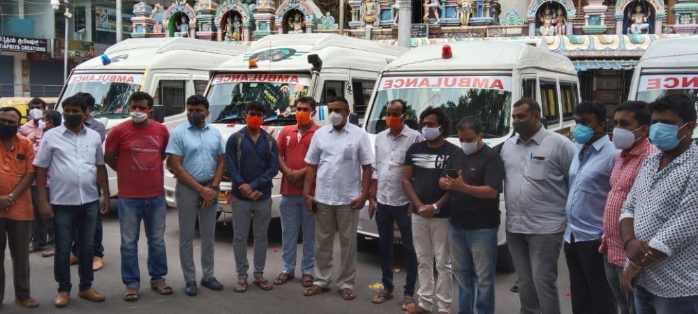 MLA Ravi Subramanya inaugurates free ambulance service in Basavanagudi3