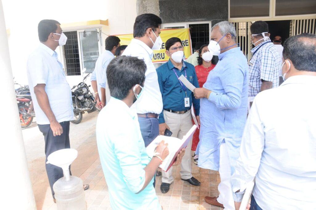 Mysuru District In charge Minister visits T Narasipura Bannur Kadloor Primary Health Centers