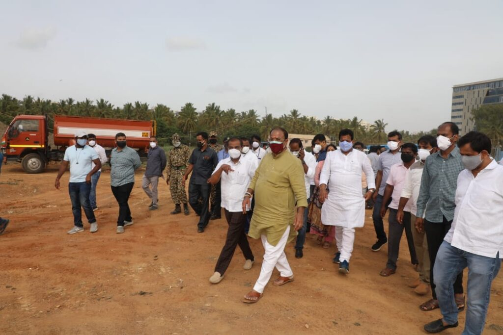 Minister Arvind Limbavali inpsects various works in Mahadevapura with BDA president1