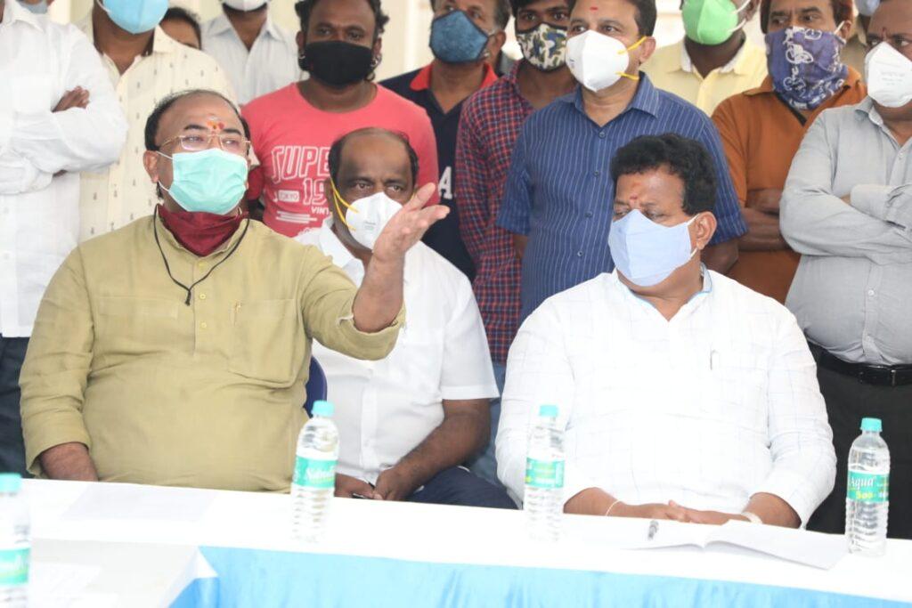Minister Arvind Limbavali inpsects various works in Mahadevapura with BDA president2