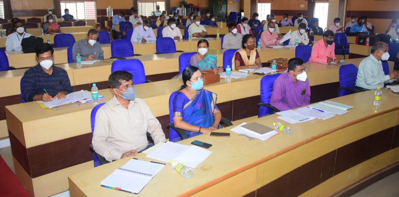 Shashikala Jolle at haveri meeting
