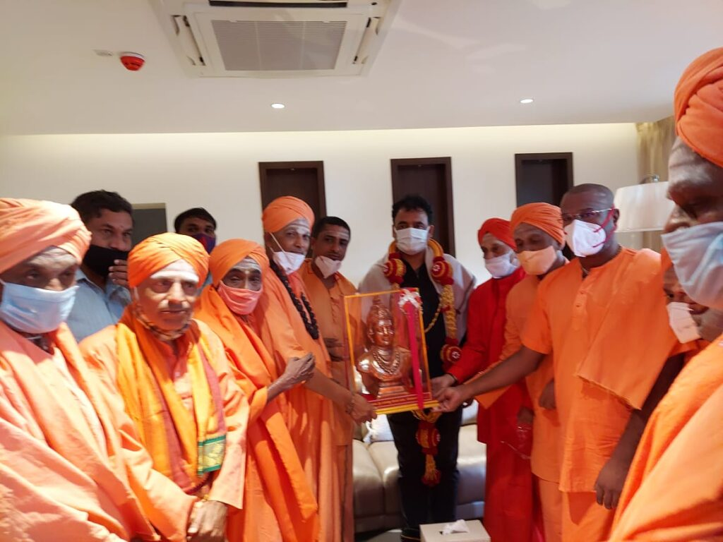 Swamijis held discussion with DCM Ashwathnarayana2