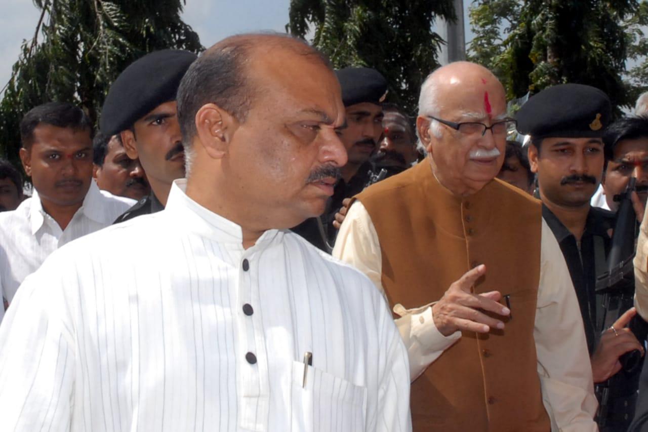 Bommai with advani