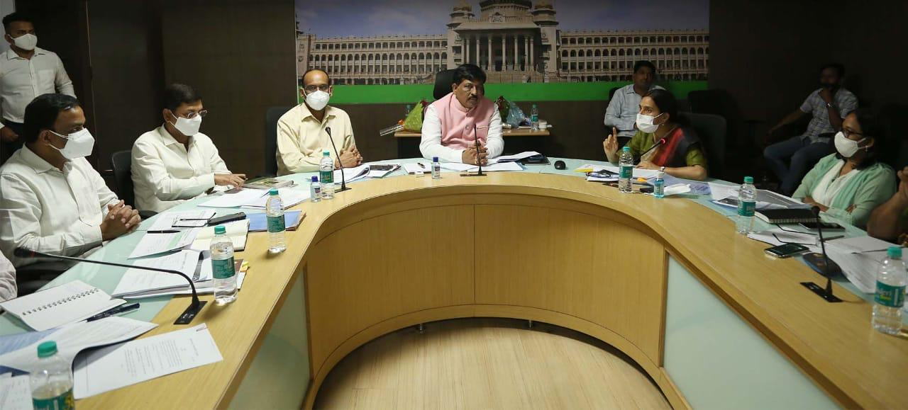 Plan to revive loss making industries ready Minister Murugesh Nirani1